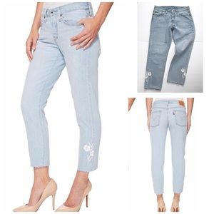 Levi's 501 T Taper Jeans Embroidered Light Wash 27